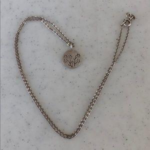 "Silver Floral Disc Necklace 18"""